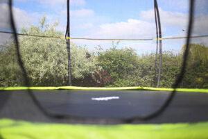 Rebo trampoline enclosure