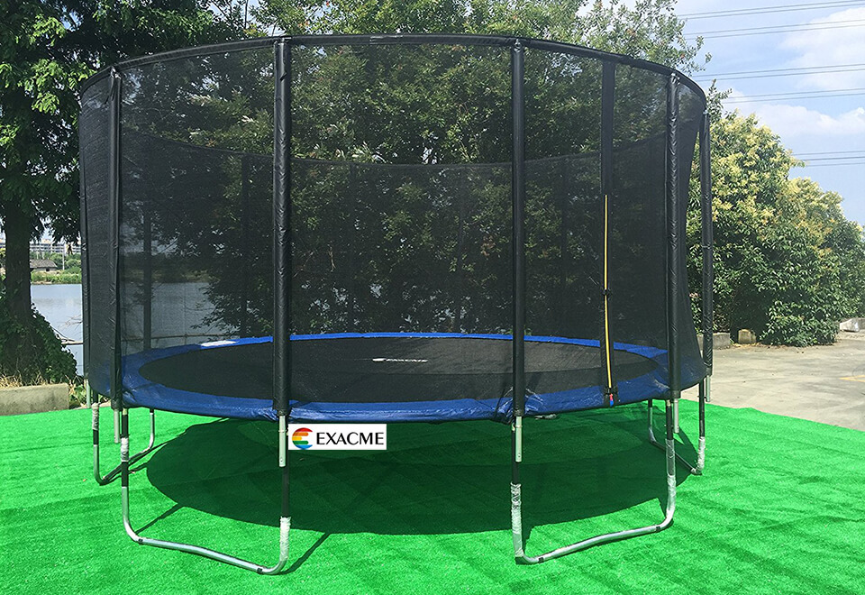 exacme-luxury-poles-outdoor-trampoline